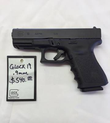Glock 19 at Fossil Point Sporting Grounds